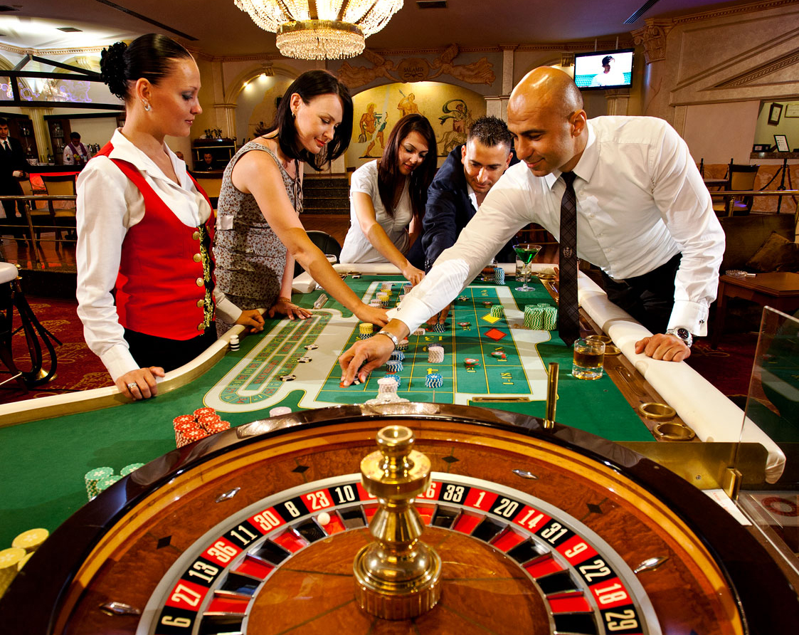 What Each Online Gambling Must Study